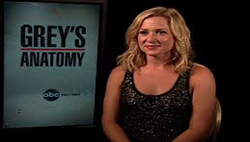 "Live Twitter Chat With ""Grey's Anatomy"" Star JESSICA CAPSHAW"
