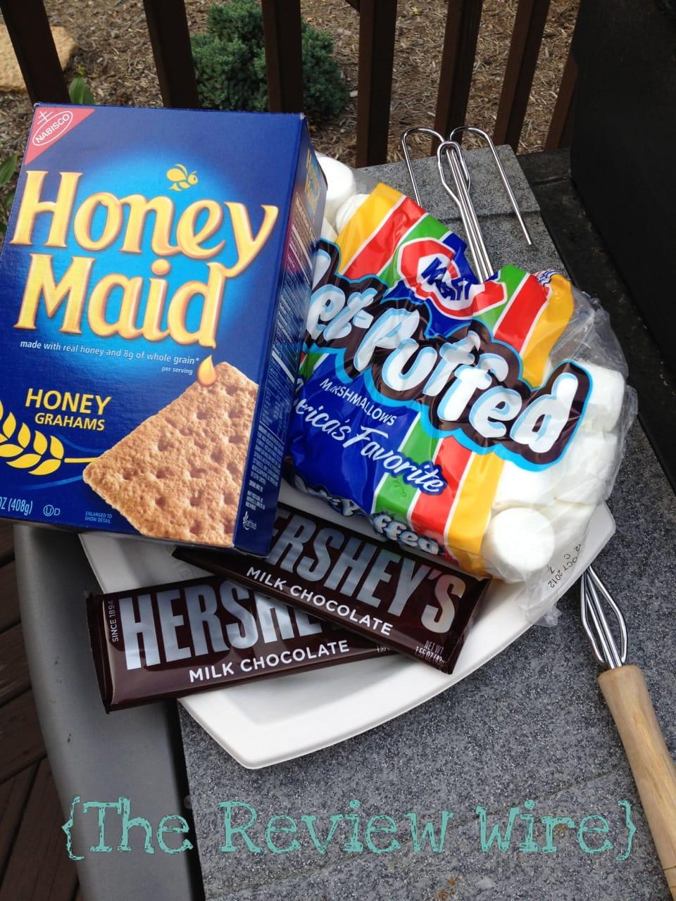 Hershey's S'mores: Camp Bondfire Giveaway