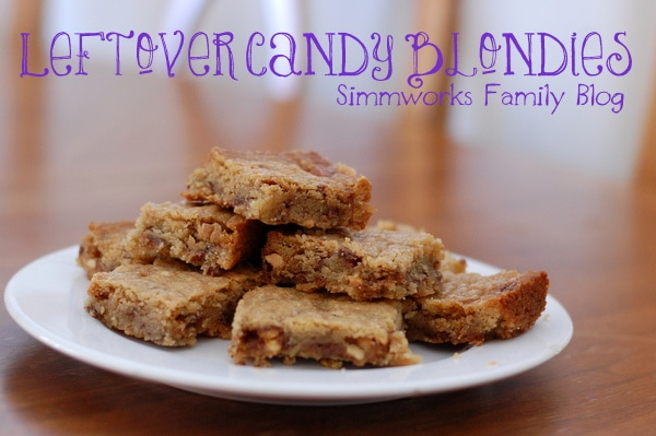 Leftover-Candy-Blondies