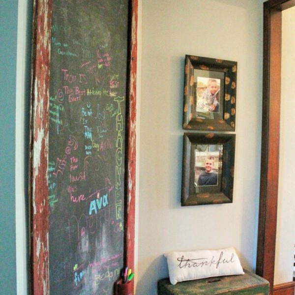 oversized-chalkboard-wall