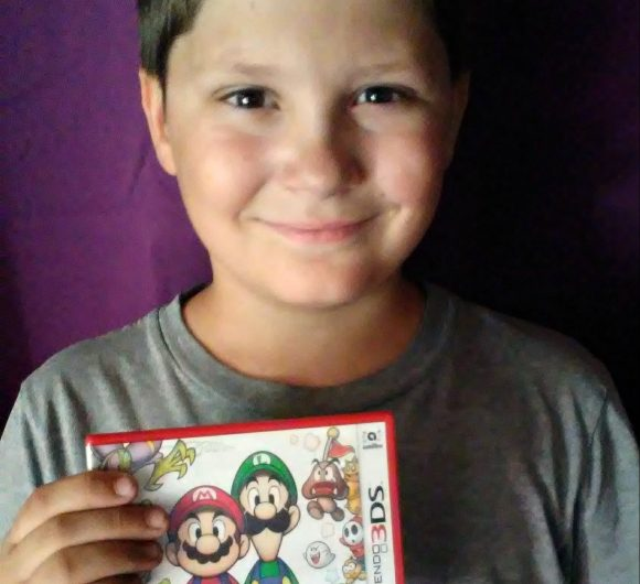 Mario & Luigi Superstar Saga Kid Reviewer