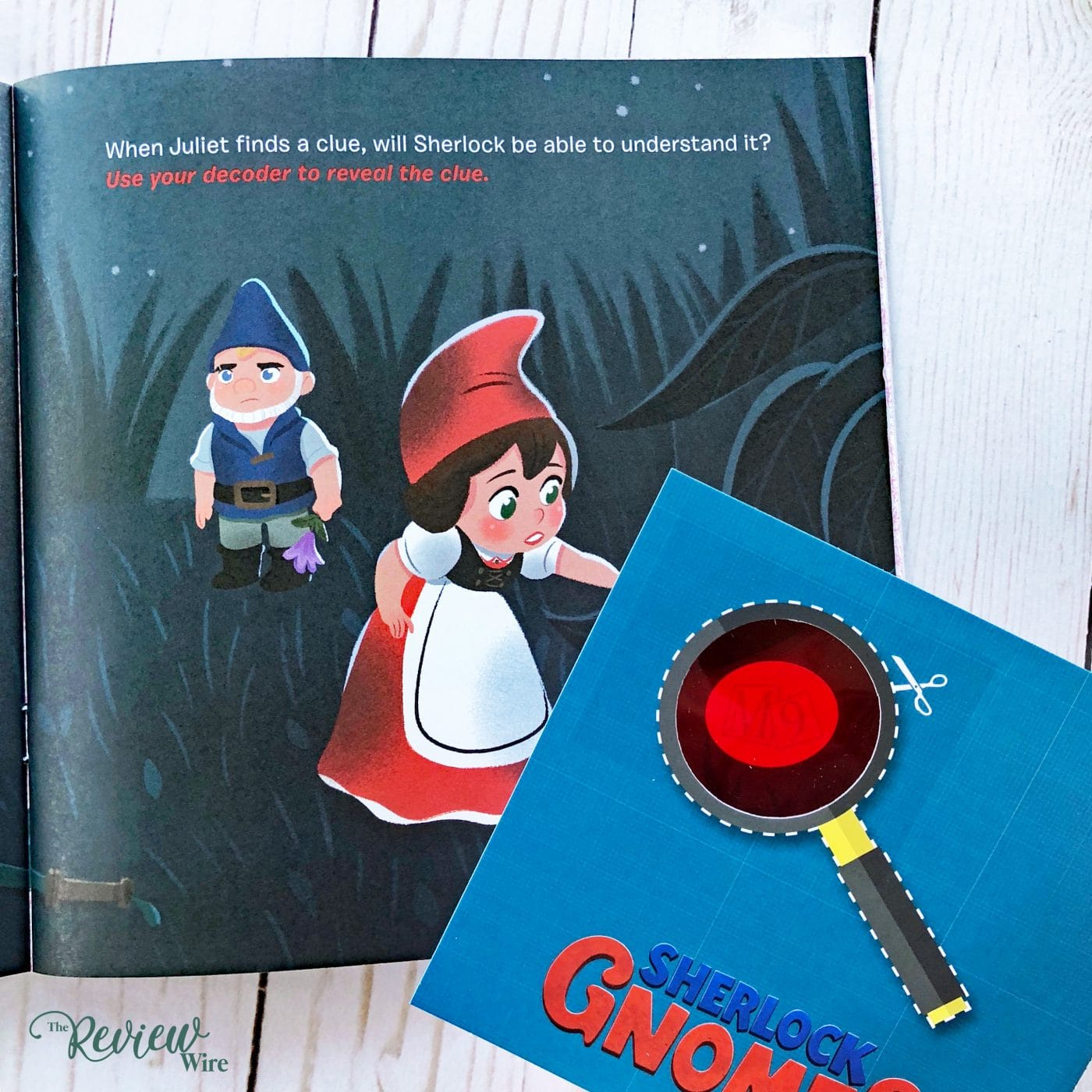 SHERLOCK GNOMES On The Case Inside Look