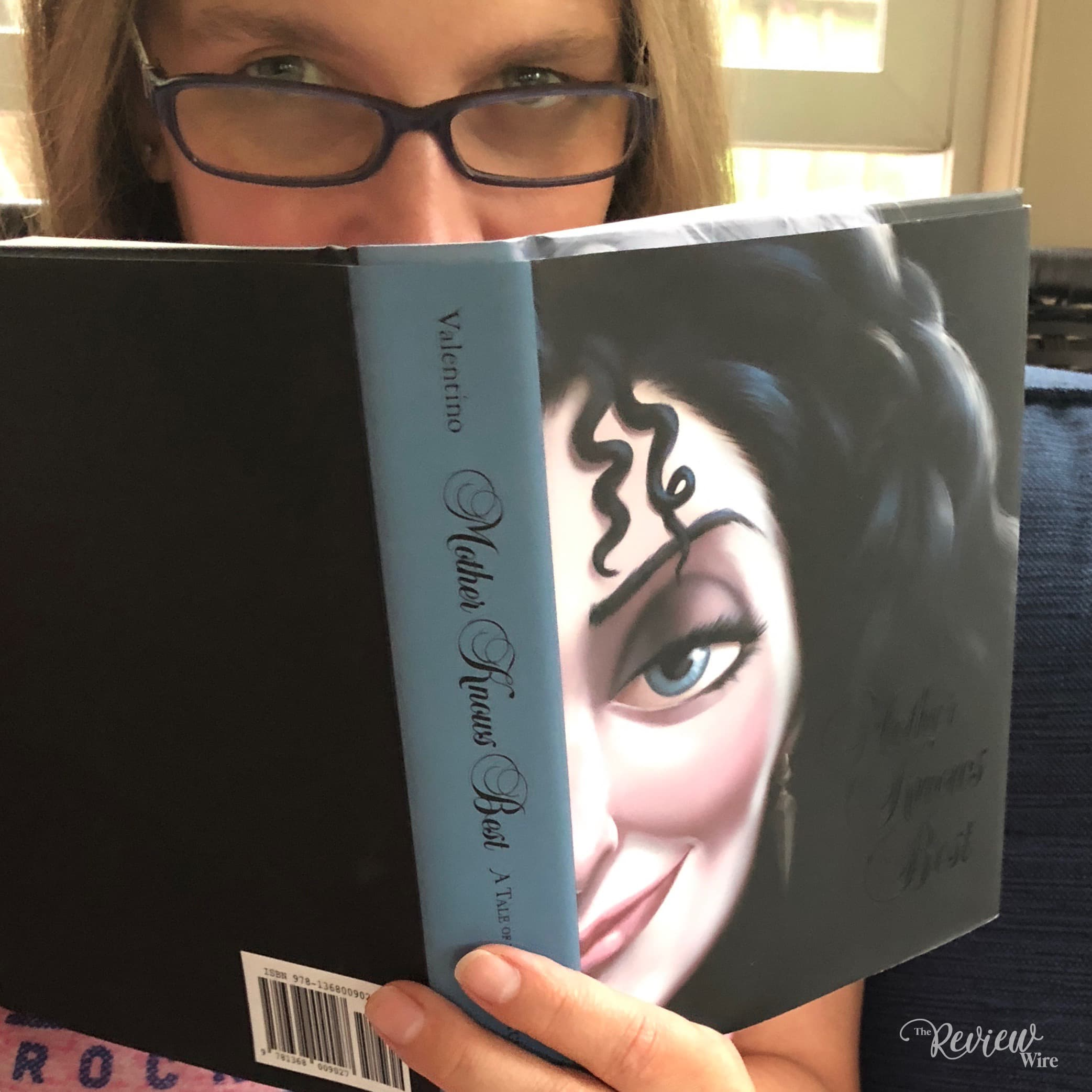 The Review Wire: Mother Knows Best Disney Villains Book Series