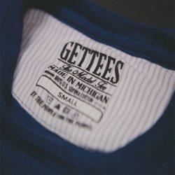 GETTEES Men's Pinstripe Tee