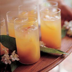 New Year's Eve Kid Friendly Drinks - Peach Spritzer