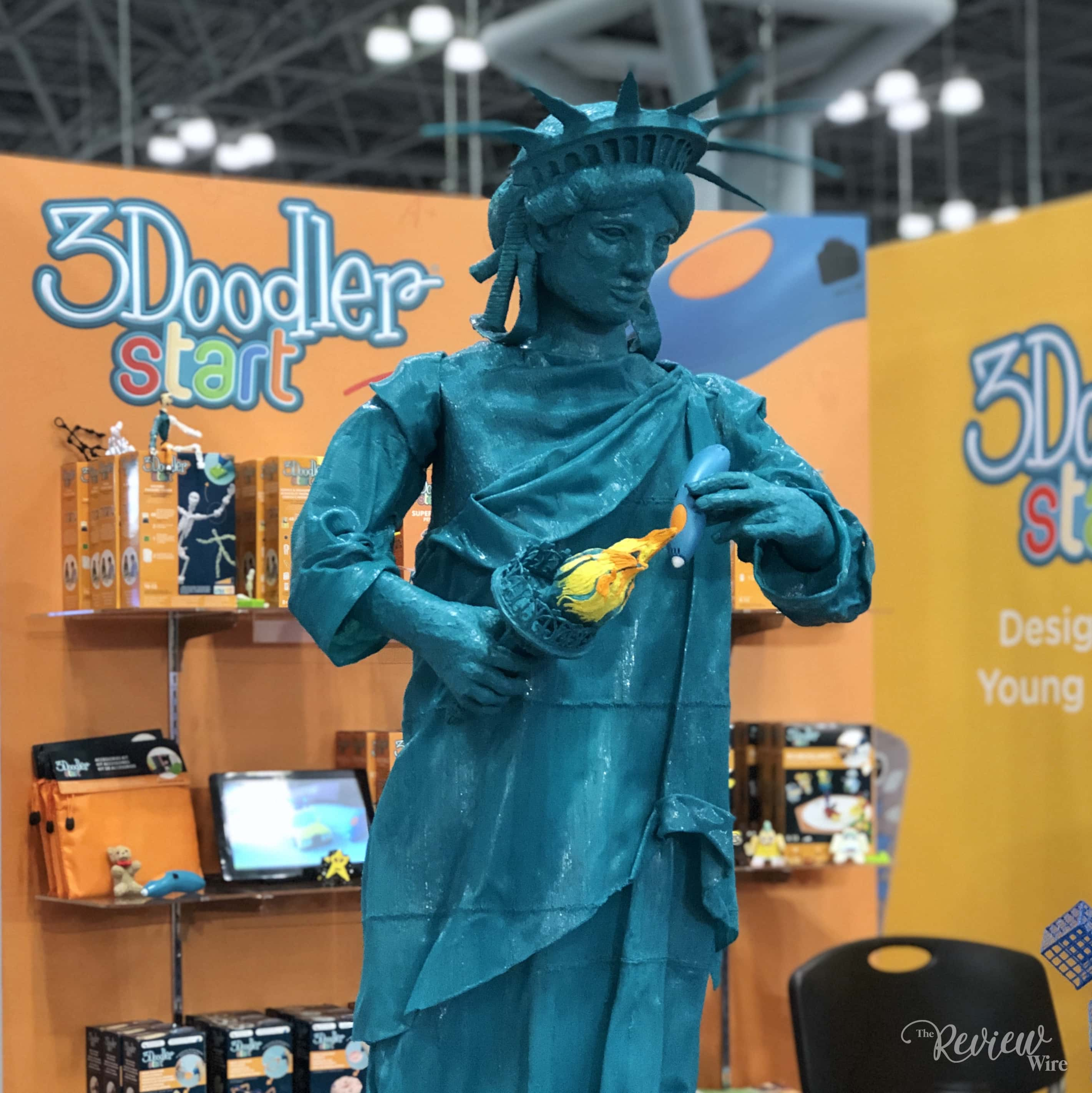 The Review Wire: Statue of Liberty using 3Doodler (1)