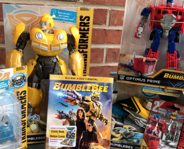 The Review Wire: Bumblebee Movie + Hasbro Toys
