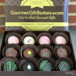 The Review Wire: Chocolate Covered Oreos from GourmetGiftBaskets.com