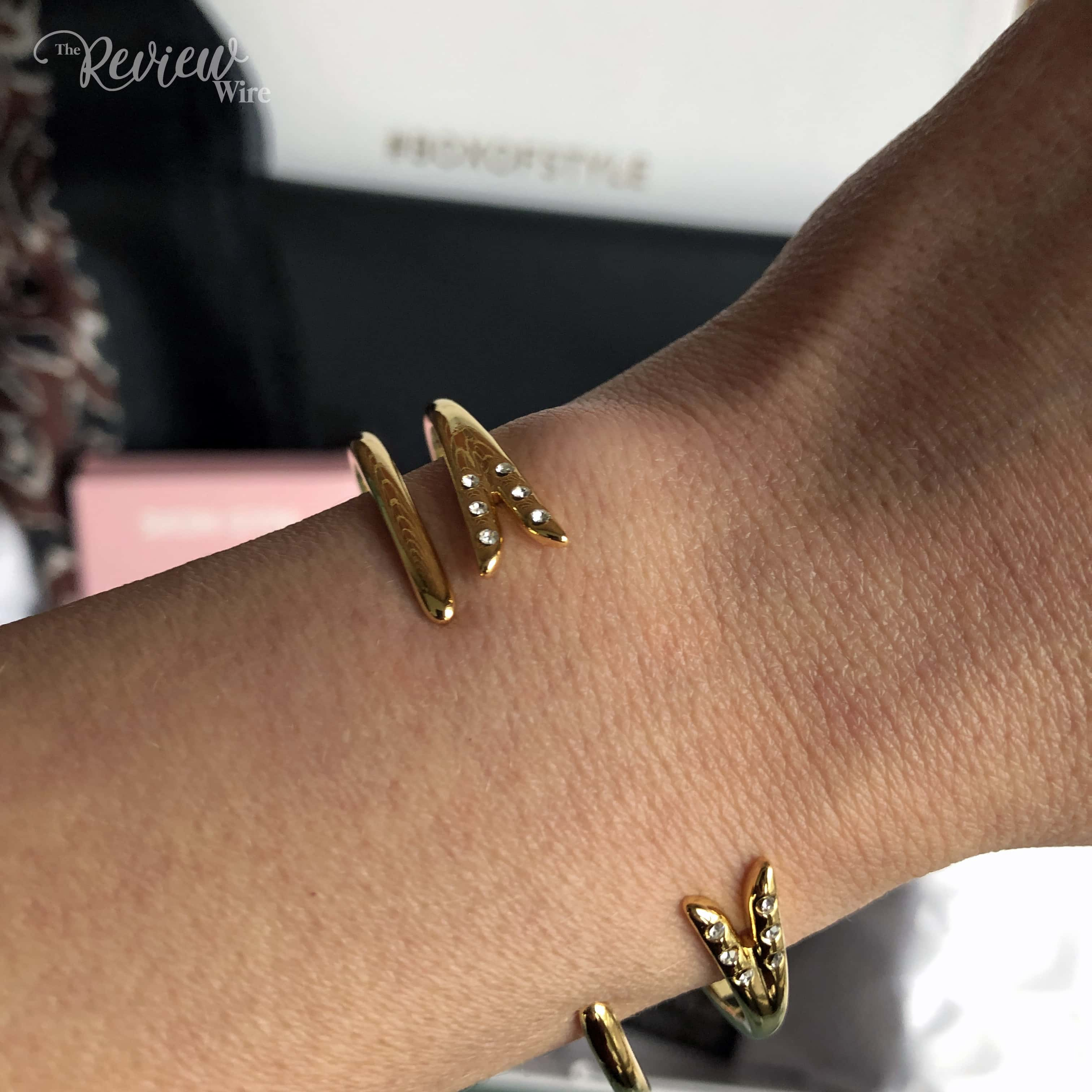 The Review Wire: Spring 2019 Rachel Zoe's Box of Style Video Unboxing - Michelle Campbell Gold Talon Bracelet Set