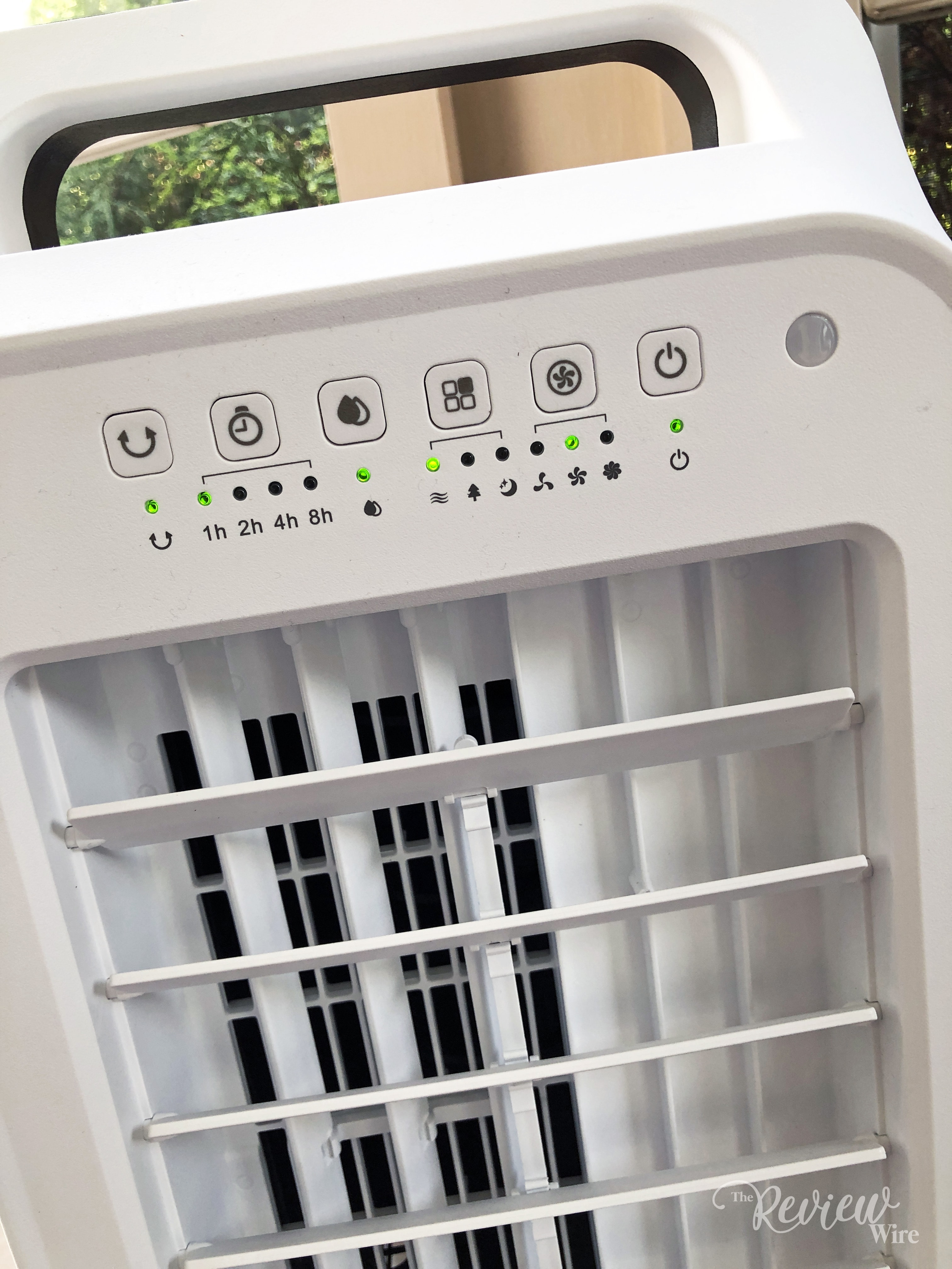 The Review Wire - Water Tank in the Frigidaire 2-in-1 Personal Evaporative Air Cooler and Fan