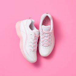 The Review Wire: Breast Cancer Awareness Guide: Easy Spirit 'Move For Pink' Romy Sneaker