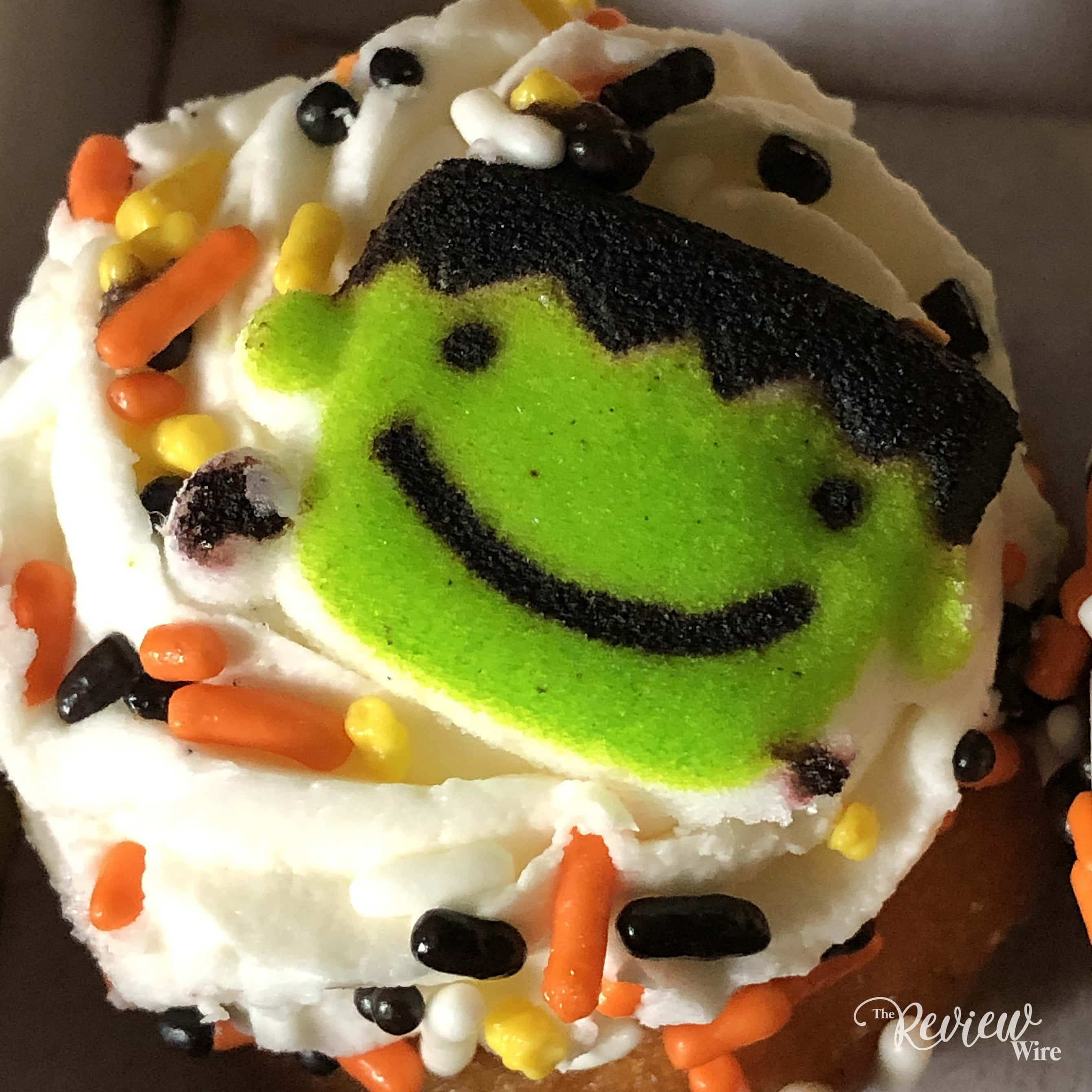 The Review Wire - Bake Me A Wish! Mini Halloween Cupcakes - Frankie