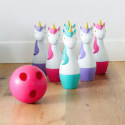 The Review Wire 2019 Holiday Gift Guide: Antsy Pants Unicorn Lawn Bowling Set