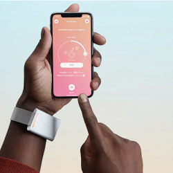 The Review Wire 2019 Holiday Gift Guide: Wave Bracelet Personal Thermostat