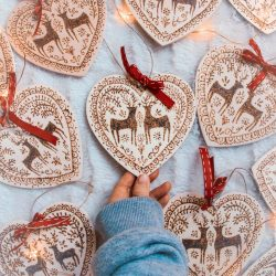 The Review Wire: Make it a Hygge Holiday with these Ideas for a Cozy Christmas - Suspension heart wood pyrograved deer decoration