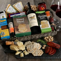 The Review Wire Holiday Gift Guide 2020: Artisan Charcuterie & Wine Tray