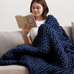 The Review Wire Holiday Gift Guide 2020: Bearaby Cotton Napper Weighted Blanket