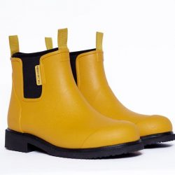 The Review Wire Holiday Gift Guide 2020: Merry People Bobbi Rain Boot