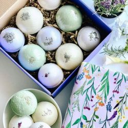 The Review Wire Summer Beauty Guide: Aromatherapy Bath Bomb Gift Set