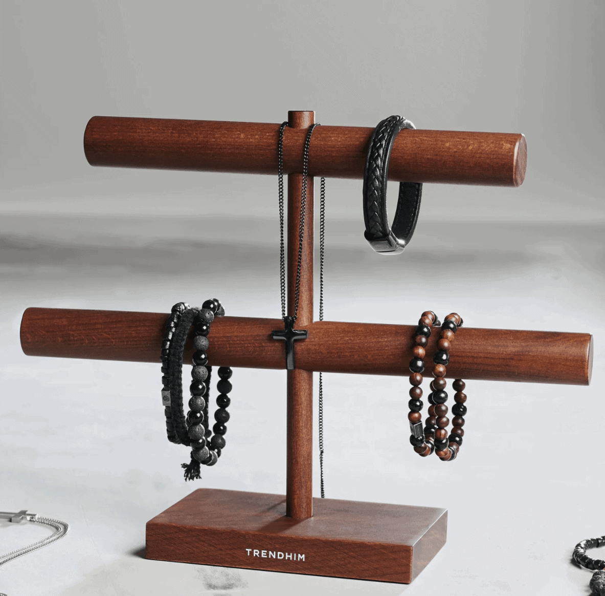 The Review Wire Back to School Guide: Wooden Jewelry Stand